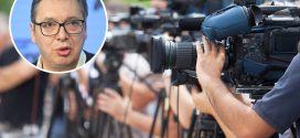 U dnevnicima RTS i Pinka više od osam sati hvalospeva o Vučiću!