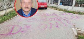 """Grafit osvanuo u selu gde su pronađena tela Đokića: Traže pravdu za osumnjičenog za ubistvo! S""""njim su izmanipulisali Beogradski mafijasi!"""